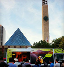 Vietnamese Food Truck Downtown Edmonton Churchill Square